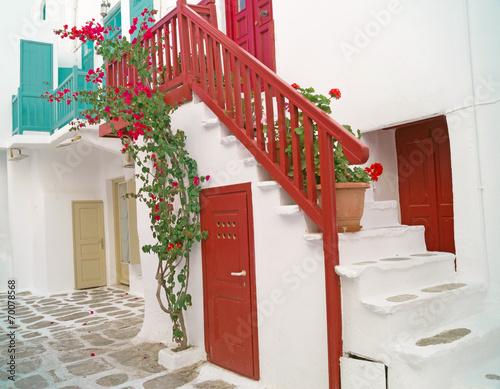tradycyjny-grecki-dom-na-wyspie-mykonos-grecja