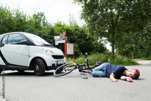 Fotomural verletzte frau nach einem verkehrsunfall