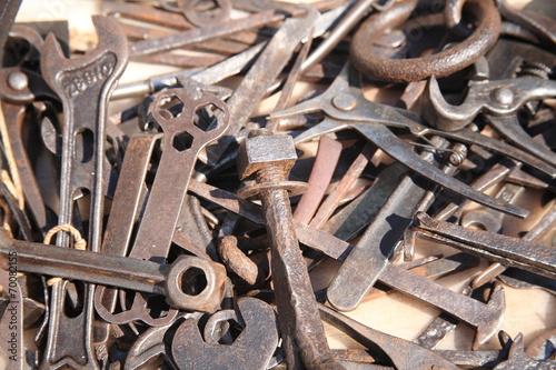 Fotografija  attrezzi per lavorare il ferro antico mestiere
