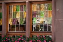 Vitraux De Couleurs Sur Fenêtre