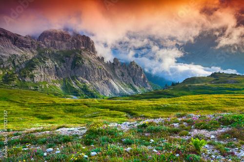 Poster Lime groen Colorful summer sunrise in Italy Alps, Tre Cime Di Lavaredo, Dol