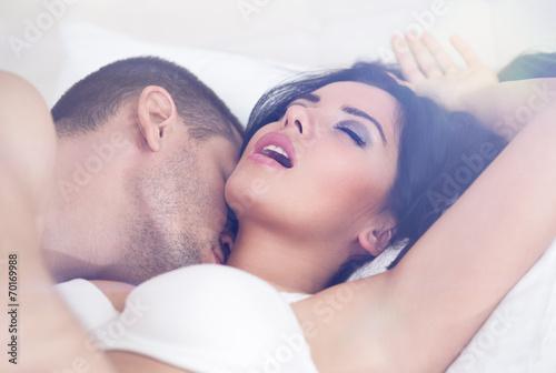 Photo  heterosexual couple having sex