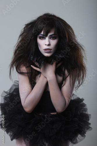Foto op Plexiglas womenART Gothic Expressive Girl on Plain Background