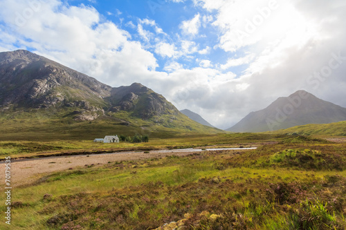 Photo  Lonely house in Glen coe