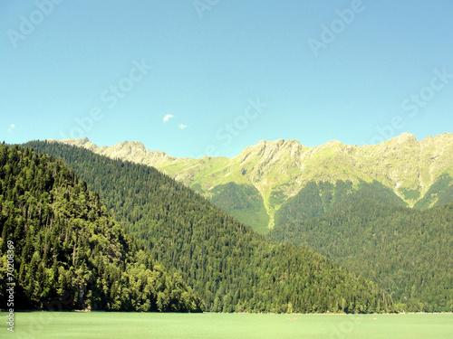 Абхазия.Горное озеро.