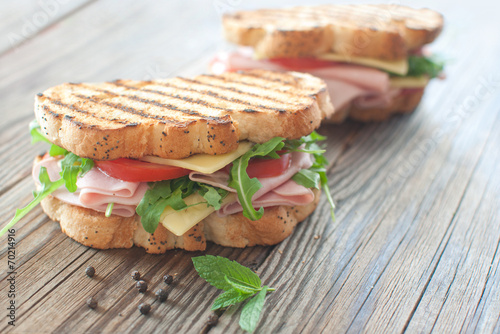 Spoed Foto op Canvas Snack Grilled deli sandwiches