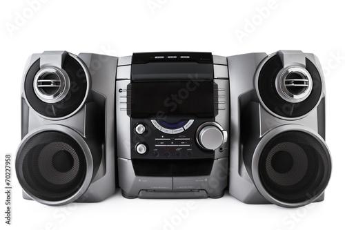 Fotografía  Compacto sistema estéreo de CD y reproductor de cassette aislada con clipp