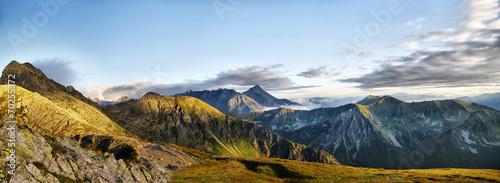 Piękna panorama Tatr w okolicach Świnicy