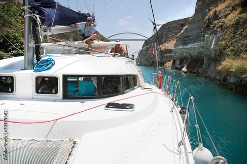 Fototapeta Mit dem Katamaran durch den Kanal von Korinth in Griechenland