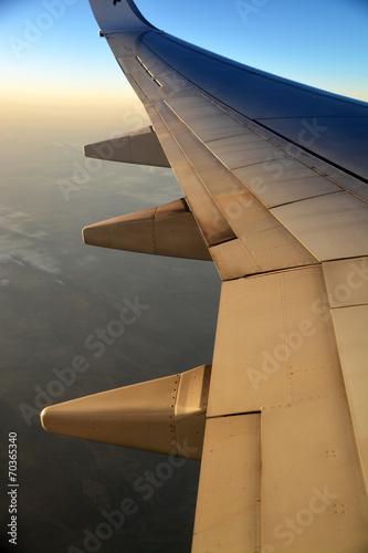 Visión del ala de un avión Fototapete