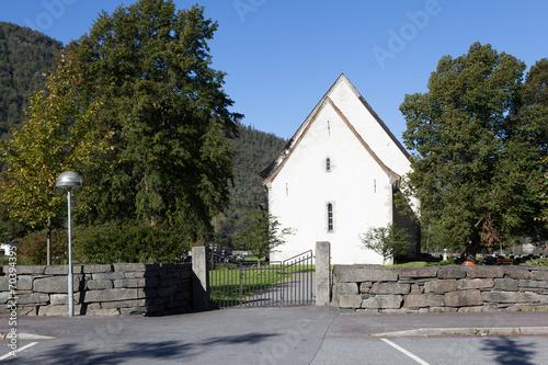 Staande foto Scandinavië Церковь в Кинсарвике. Норвегия.