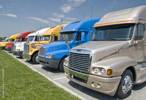 New Semi-Trucks For Sale Canvas-taulu