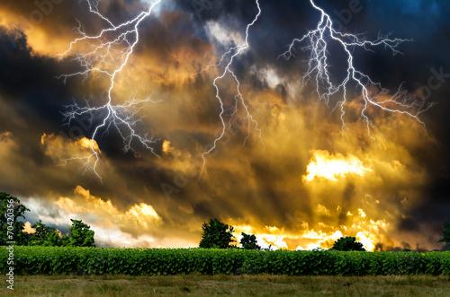 Burza z piorunami.