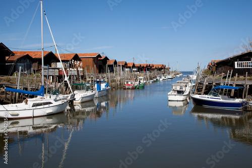 City on the water port de bateau sur le bassin arcachon en france
