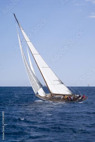 zaglowka-w-slizgu-na-morzu