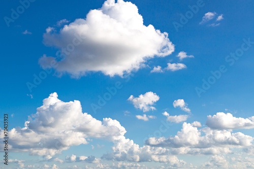 chmura-na-niebie