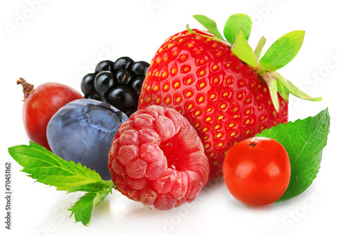 Poster Fruit Berries mix with mint isolated on white