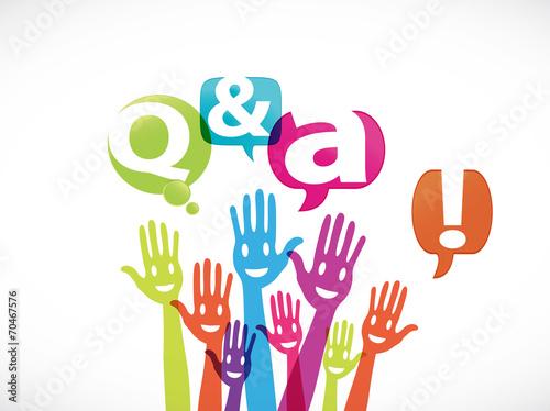 Photo  groupe mains souriantes : q & a !