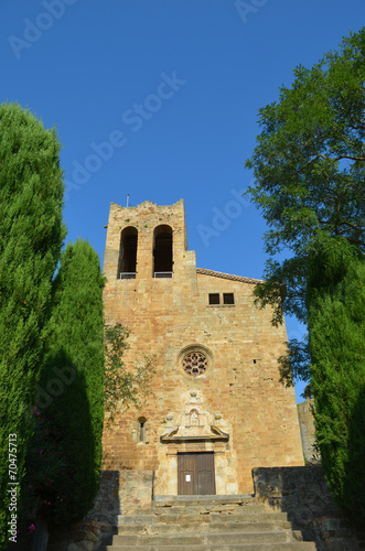 In de dag Cyprus Medieval church in Pals, Costa Brava