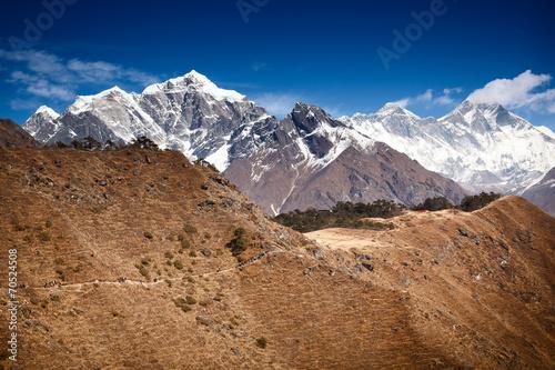 In de dag Nepal Trekking in SoluKhumbu, Nepal. Taboche, Nuptse, Everest, Lhotse