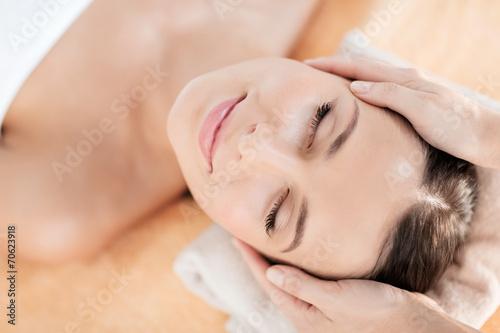 Keuken foto achterwand Spa beautiful woman in spa salon