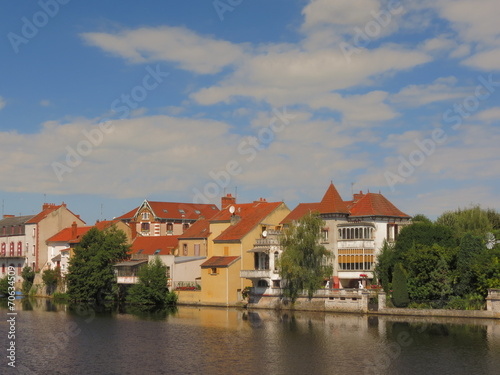 In de dag Stad aan het water Ville de Montluçon ; Allier ; Auvergne