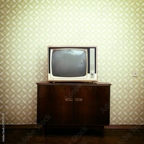 Retro Tv With Wooden Case In Room Vintage Wallpaper And Par