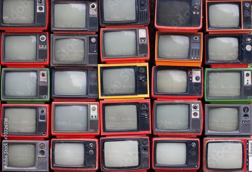 obraz PCV Ściana starych zabytkowych telewizorów lampowych
