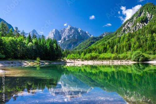 dolina-w-parku-narodowym-triglav-alpy-julijskie-slowenia
