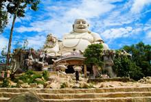 Amazing Big Buddha Statue On C...