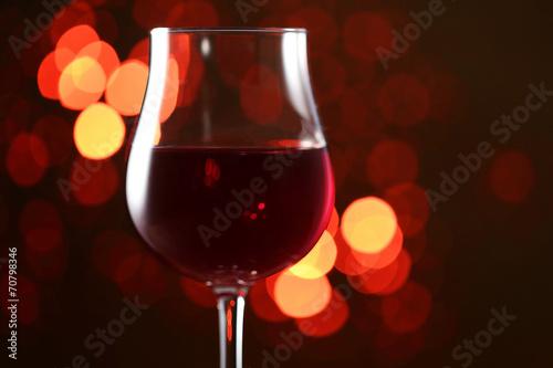 イルミネーションと赤ワイン