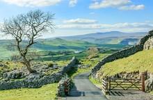 Yorkshire Dales Landscape Engl...