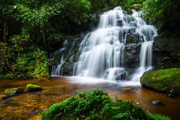 Fototapeta Wodospad waterfall mandaeng thailand ,Man Daeng