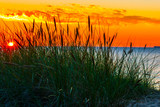 Zachód słońca nad morzem - 70918330