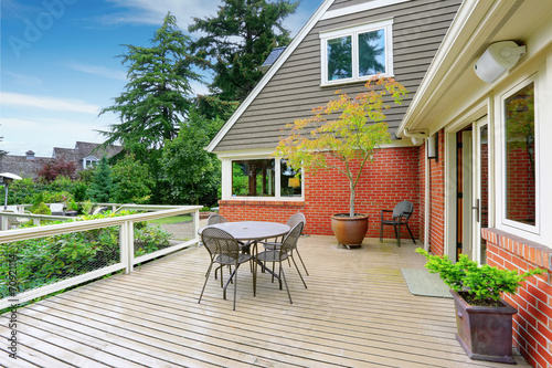 Poster Garden House with spacious walkout deck