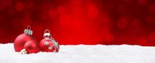 Weihnachtshintergrund / Kugeln / Bokeh