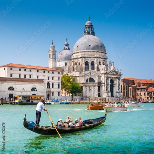 Foto op Plexiglas Venetie Gondola on Canal Grande with Santa Maria della Salute, Venice
