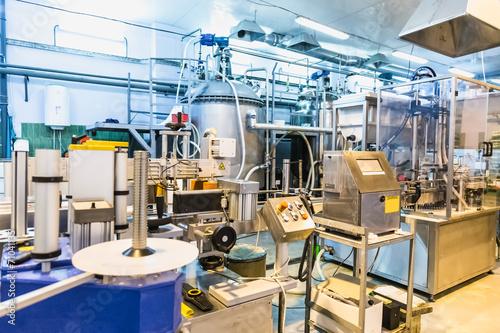 Staande foto Industrial geb. Automatic packing line of conveyor