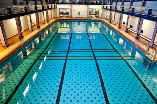 Staande foto Stadion Big Indoor Swimming Pool