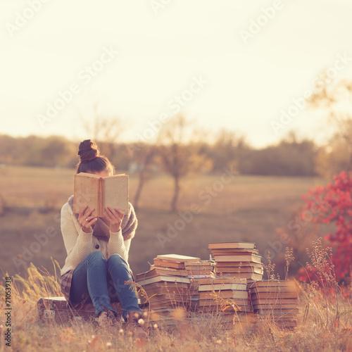 Fotografie, Obraz  Girl with books