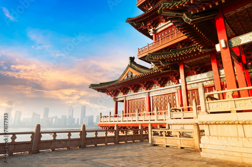 Poster Pekin Blue sky and white clouds, ancient Chinese architecture