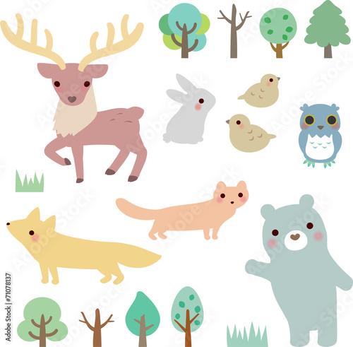 Fotografiet 動物たちと森の木々