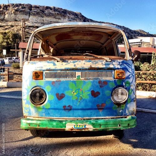 Photo  hippie bus in matala, greece