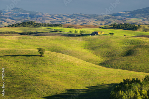 Fototapeta łąka toscania-wlochy-krajobraz-wiejski
