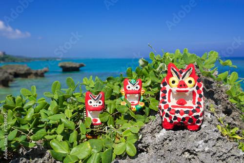 Fotomural 沖縄の海・シーサーと海