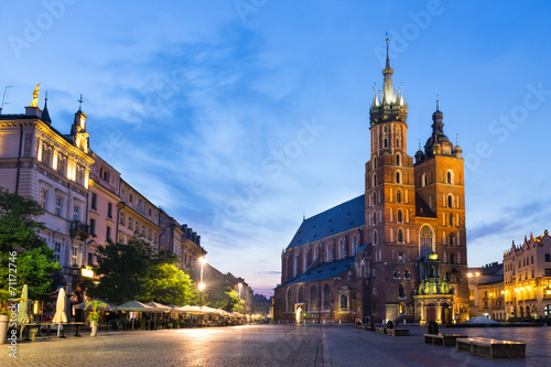 Fototapeta St. Mary's Church at night in Krakow, Poland. obraz