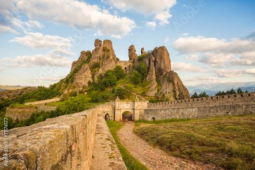 Keuken foto achterwand Oost Europa Belogradchik fortress entrance and the rocks