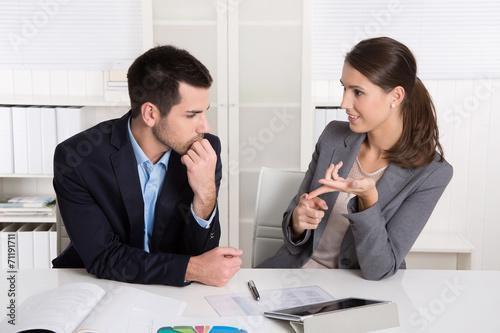 Fotografija  Überzeugung mit Argumenten und Charme: Frauen im Beruf