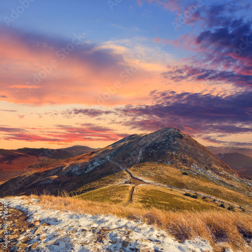 obraz dibond Jesień krajobraz górski, zabytkowe wygląd