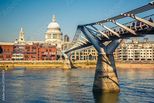 Foto op Aluminium Rome Millennium bridge in London